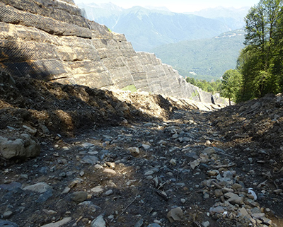 Строительство и устройство лавиноотводящих дамб