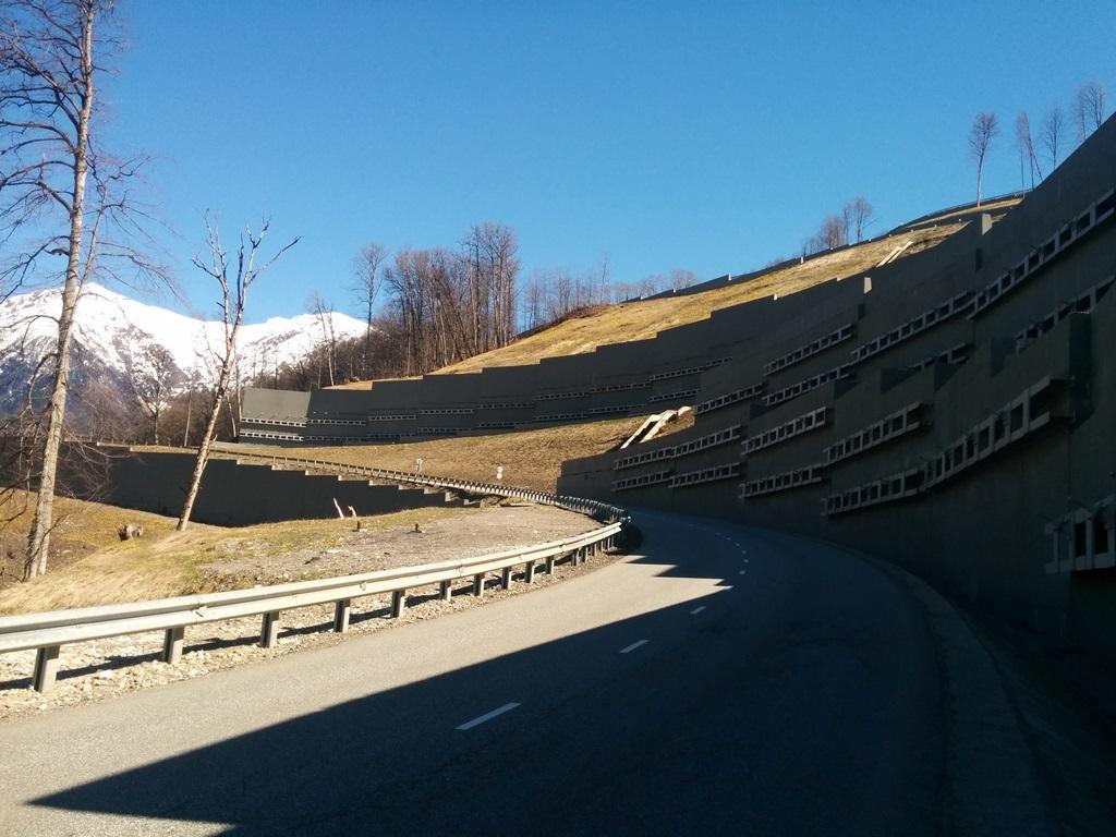 Устройство анкерных тяг при строительстве спортивно-туристического комплекса «Горная Карусель»