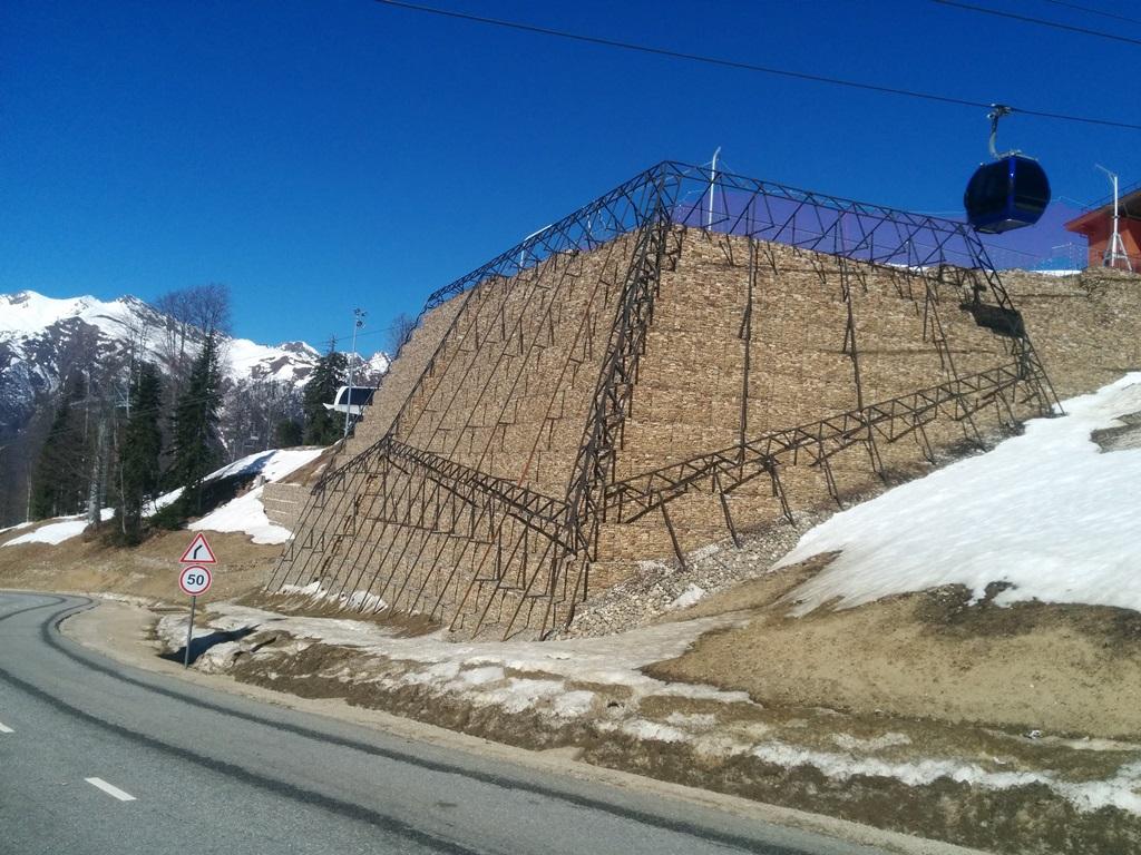 Устройство габионных конструкций при строительстве спортивно-туристического комплекса «Горная Карусель»